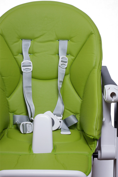 child_safety_5_way_harness_on_baby_high_chair